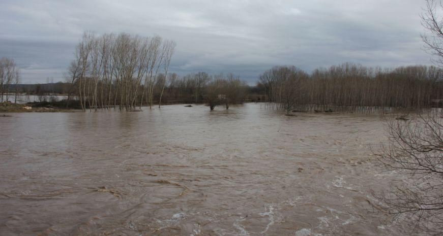 Ανεβαίνει κι άλλο η στάθμη του ποταμού Έβρου